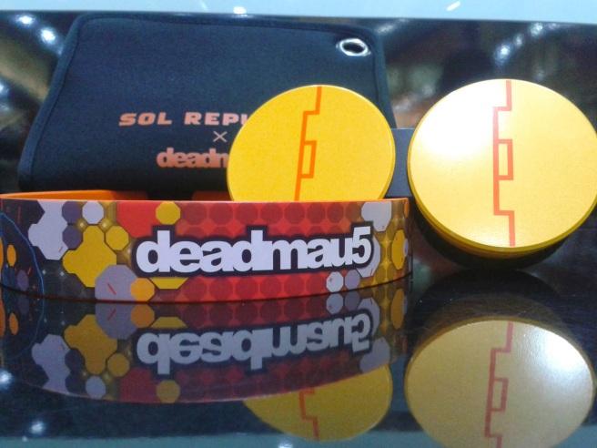 sol-republic-deadmau5 (3)