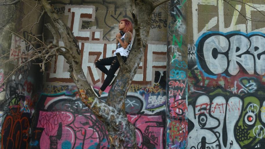 master_tracks_graffiti_wall
